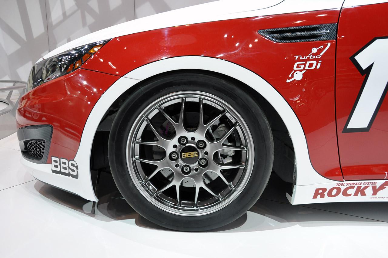 14-2011-kia-optima-turbo-sx-kinetic-race-car-tire